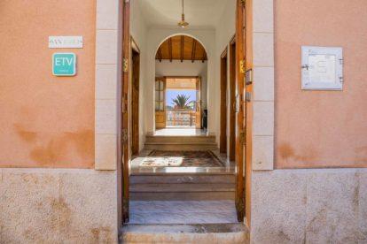 Villa Sant Josep | Entrance